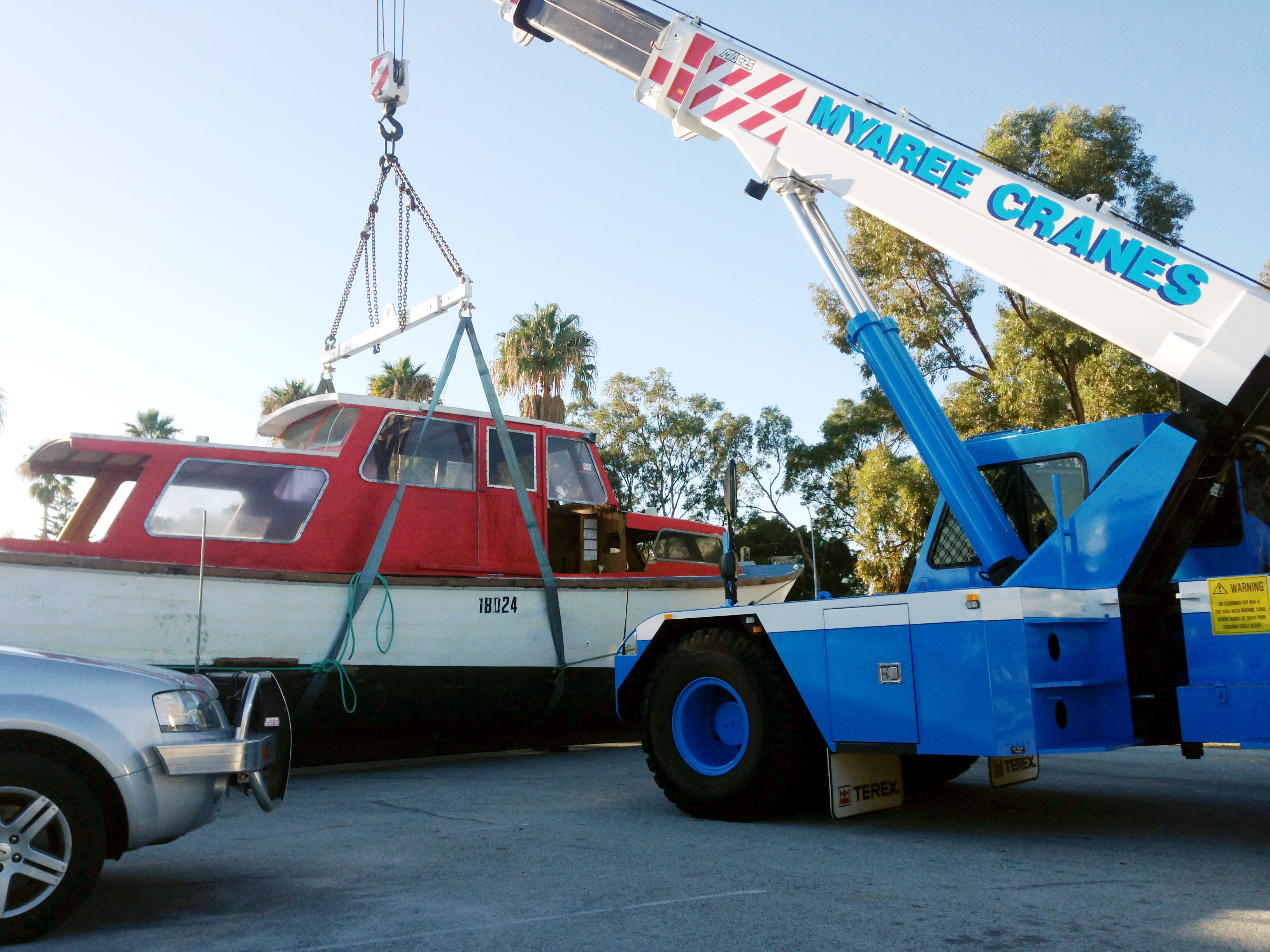 Boat lift with 25T Fr