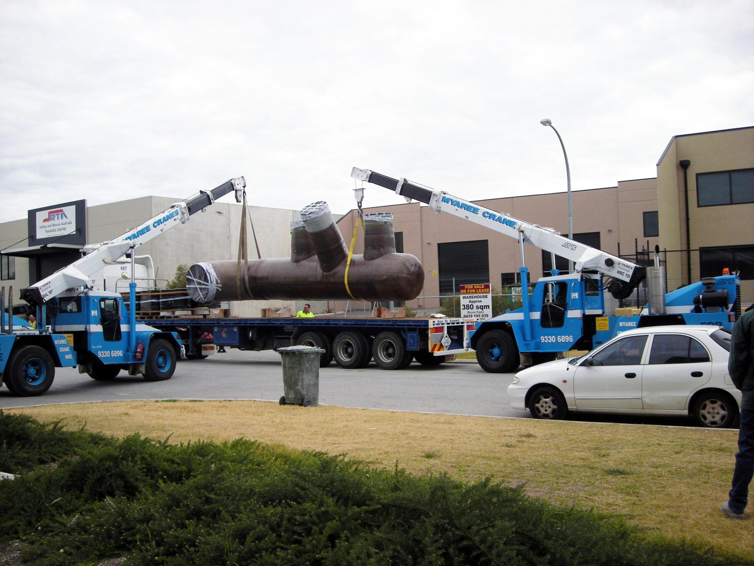 Mobile Crane Lifting Fibreglass Pipe