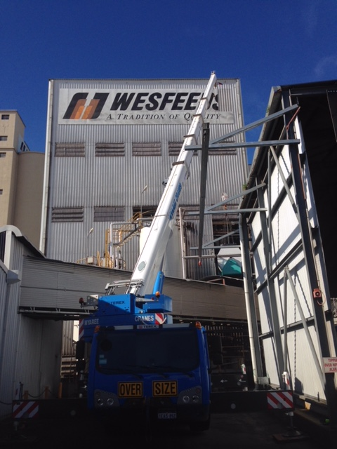 Lifting machine into Wesfeeds Building